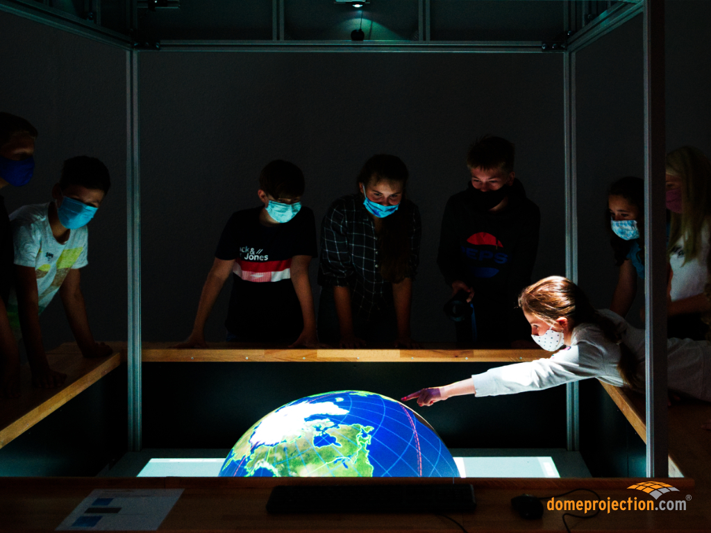 Virtual Reality Learning Space in Use